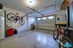 Maison de ville récente avec garage