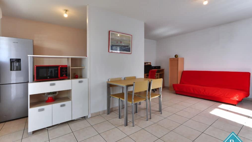 Appartement avec terrasse dans résidence sécurisée