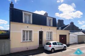 Maison de ville avec jardin et garage