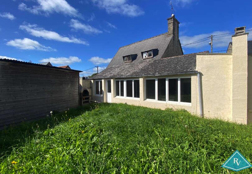 Maison en pierres avec garage